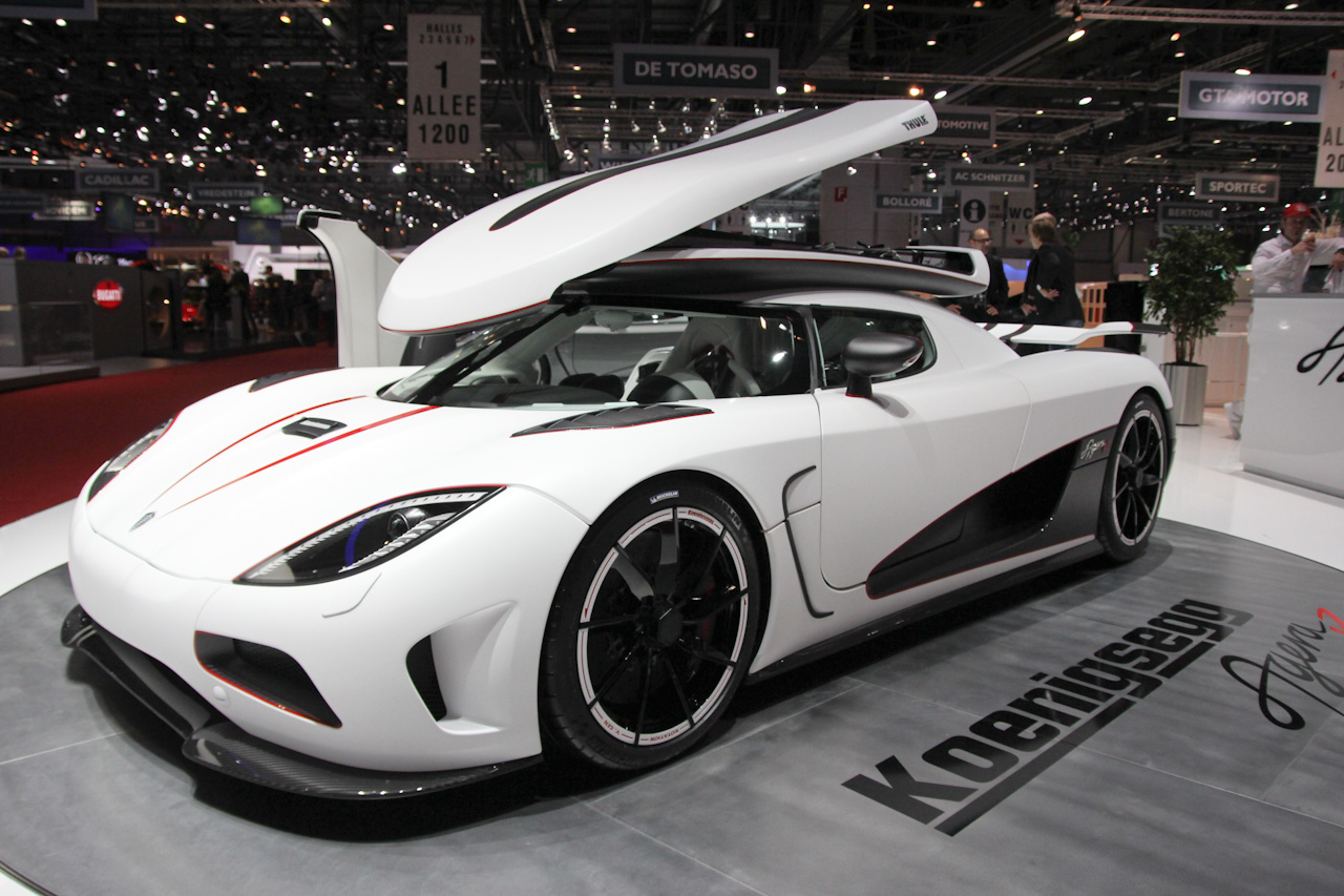 koenigsegg agera r 4 les voitures. Black Bedroom Furniture Sets. Home Design Ideas
