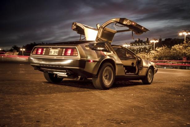 DeLorean-DMC12