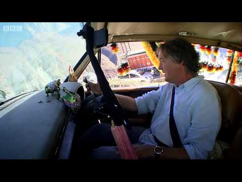 A Mini winches a Rolls &#8211; Top Gear Christmas Special 2011 &#8211; BBC