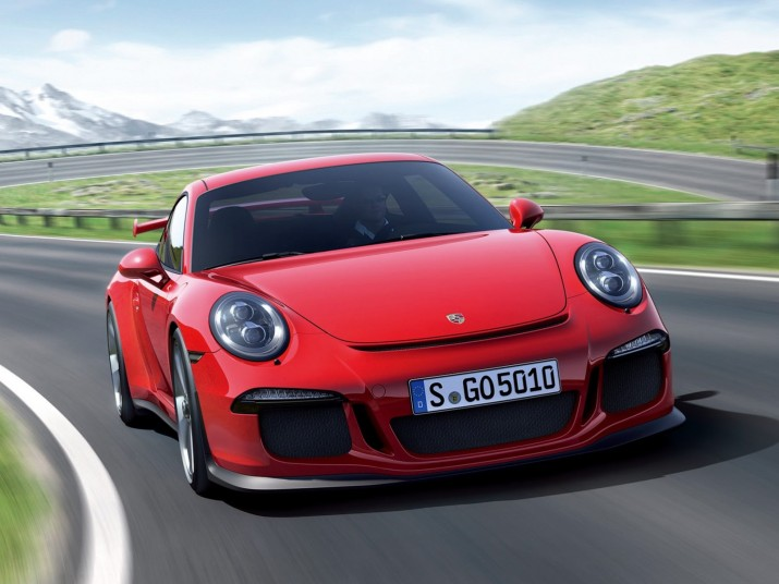 2014-Porsche-991-GT312-715x536