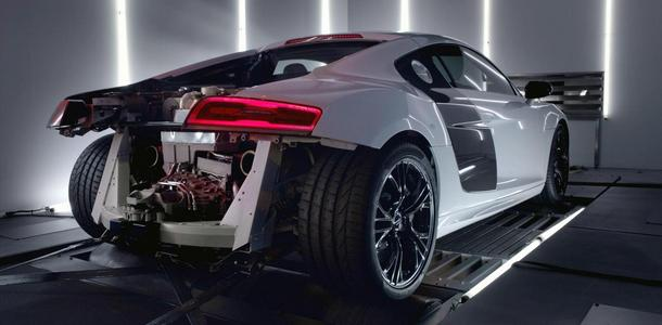 Audi-R8-V10