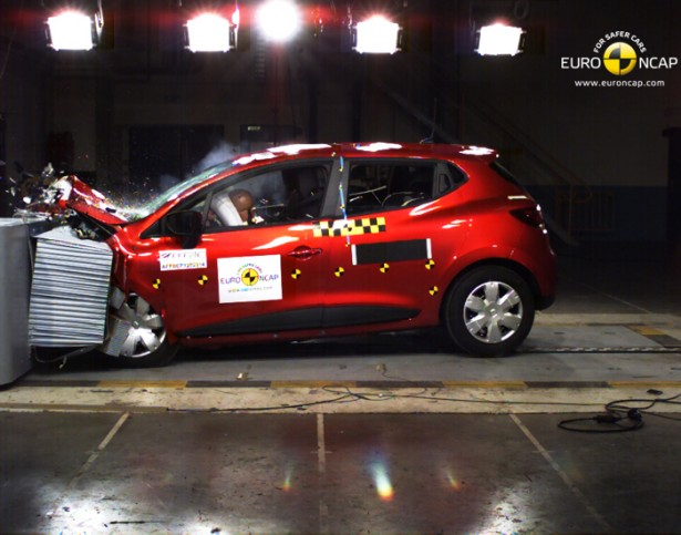 crash-test-renault-clio-4