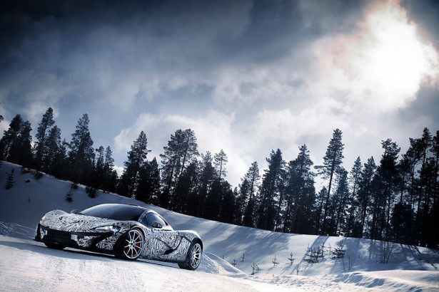 McLaren P1 : l&#8217;hypercar dans un rle extrme et glacial&#8230;