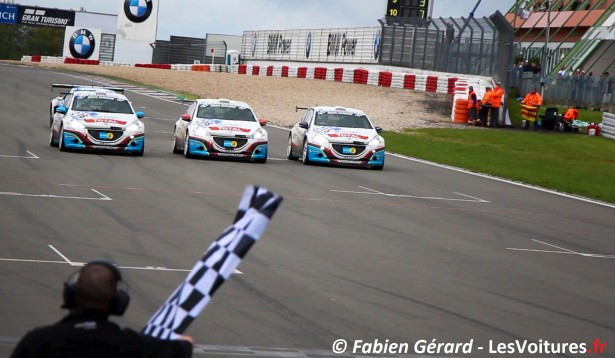 24-h-nurburgring-peugeot-208-gti-2013-finish-line-julien-pigue