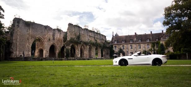 jaguar-f-type-s-v6-abbaye-des Vaux-de-Cernay-11