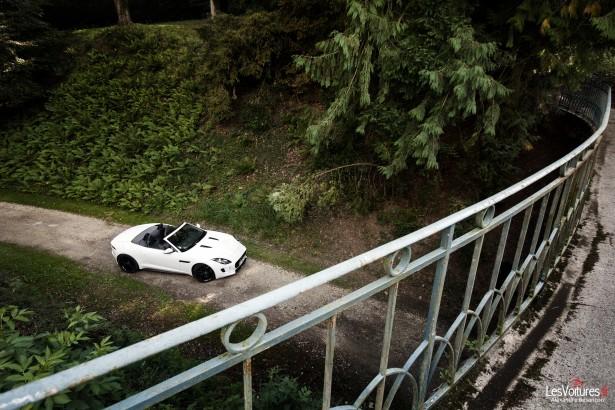 jaguar-f-type-s-v6-abbaye-des Vaux-de-Cernay-12