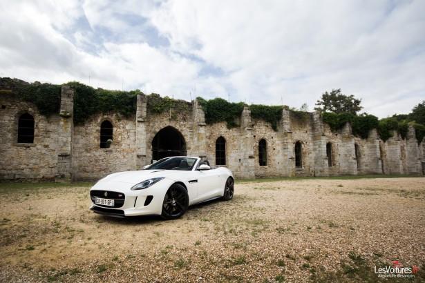 jaguar-f-type-s-v6-abbaye-des Vaux-de-Cernay-15