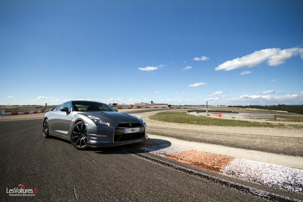 nissan-gt-r-gentle man-edition-circuit-ledenon