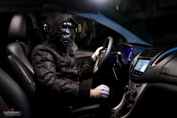 Halloween-Chevrolet-Trax-Paris-Raod-Trip