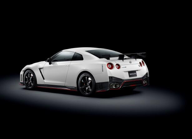 Nissan-GT-R-Nismo-4