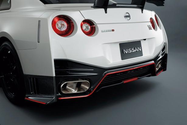 Nissan-GT-R-Nismo-8