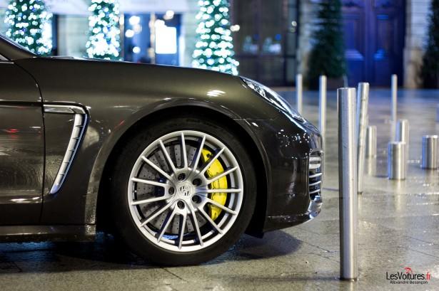 Porsche-Panamera-Turbo-13