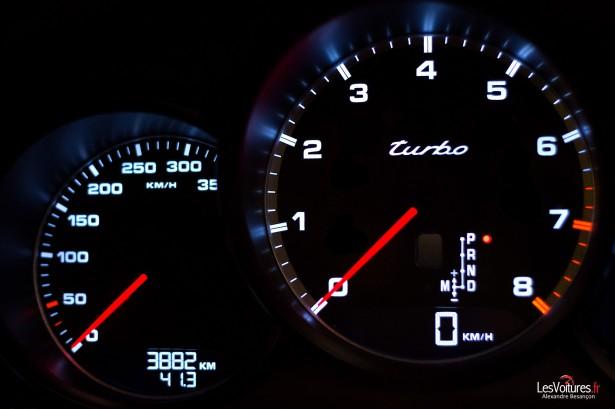 Porsche-Panamera-Turbo-22