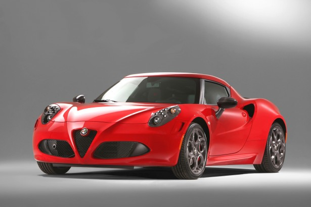 festival automobile international l 39 alfa romeo 4c sacr e plus belle voiture 2013 autour des. Black Bedroom Furniture Sets. Home Design Ideas