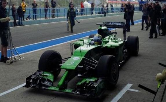 Caterham-F1-Team-CT05-2014-5