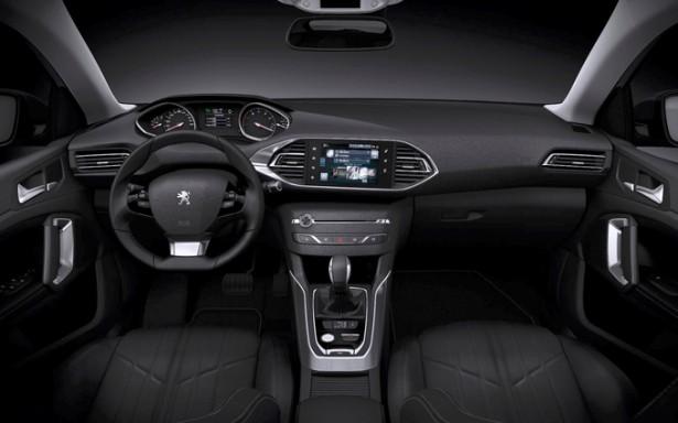 Peugeot-308-SW-2014-break-i-cockpit