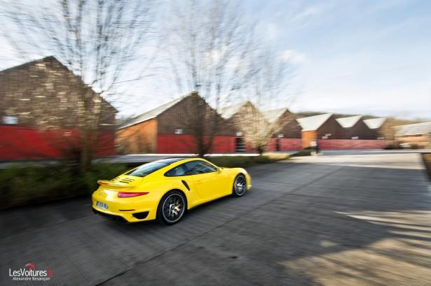 Porsche-911-Turbo-S-991-1