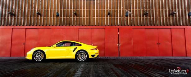 Porsche-911-Turbo-S-991-15