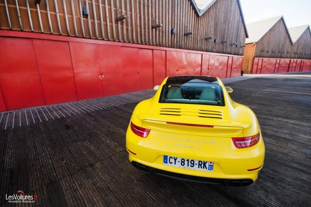 Porsche-911-Turbo-S-991-19