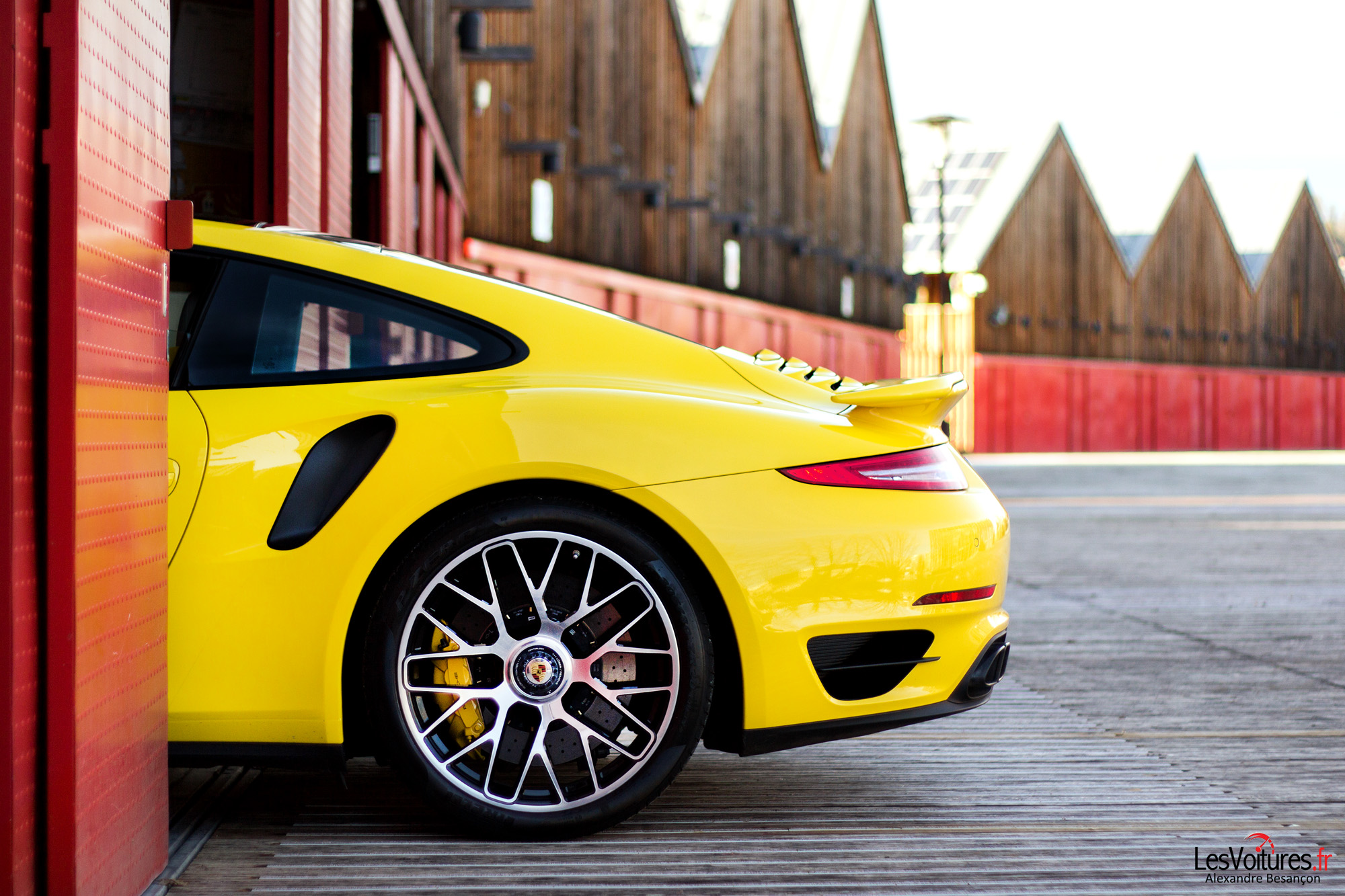 Porsche-911-Turbo-S-991-2