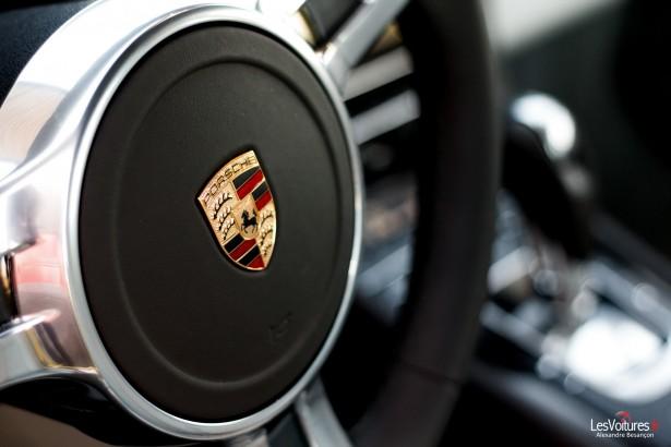 Porsche-911-Turbo-S-991-21