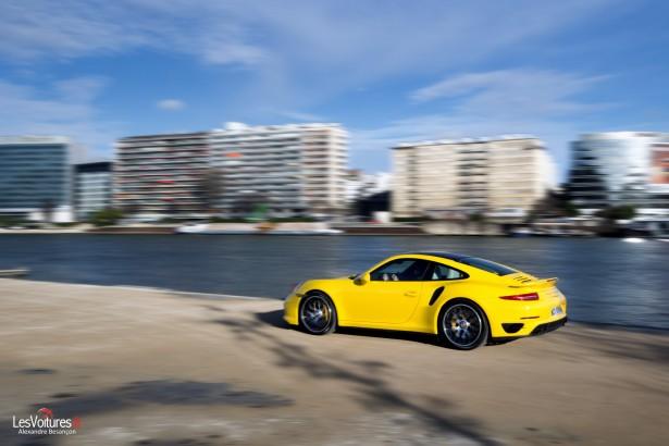 Porsche-911-Turbo-S-991-27