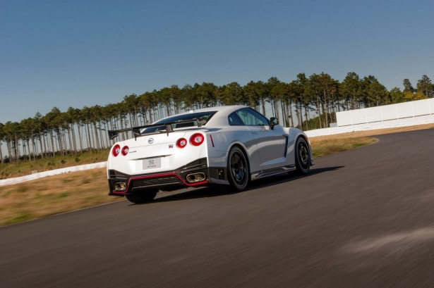 Nissan-GT-R-Nismo-2014-10