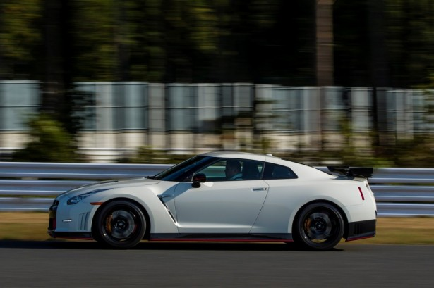 Nissan-GT-R-Nismo-2014-9