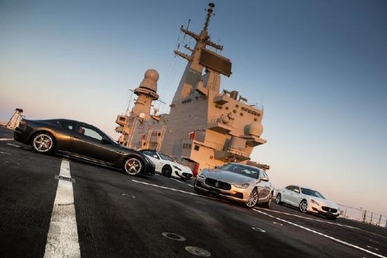 """Vidéo : la gamme Maserati en mode """"armée"""" sur le porte-aéronefs Cavour !"""