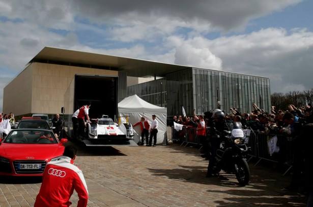 Audi-R18-e-tron-quattro-2014-Le-Mans-Warm-Up-11
