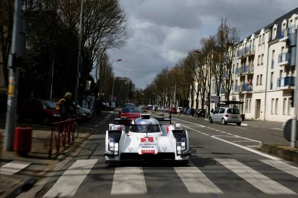 Audi-R18-e-tron-quattro-2014-Le-Mans-Warm-Up-12