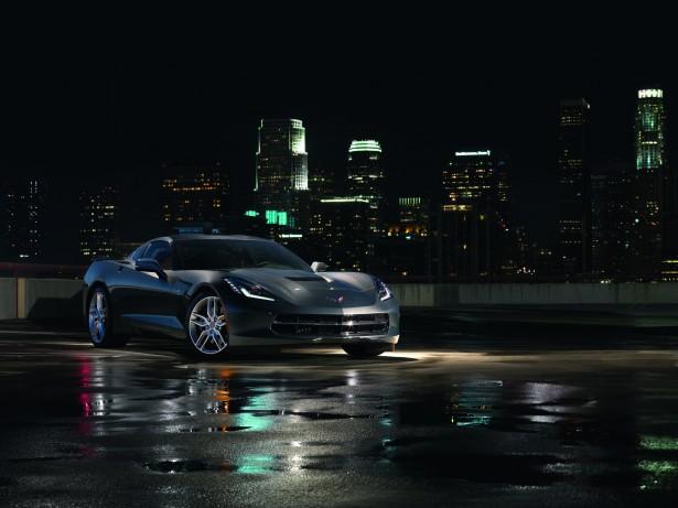 Chevrolet-Corvette-Stingray-Captain-America-Marvel-moovie