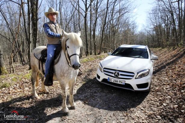 Mercedes-Benz-GLA-Test-Drive-2014