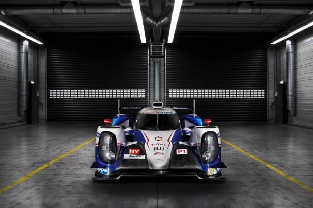 Toyota-TS040-LMP1-H-FIA-WEC-2014-24-H-du-Mans-14