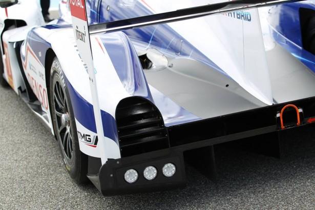 Toyota-TS040-LMP1-H-FIA-WEC-2014-24-H-du-Mans-3