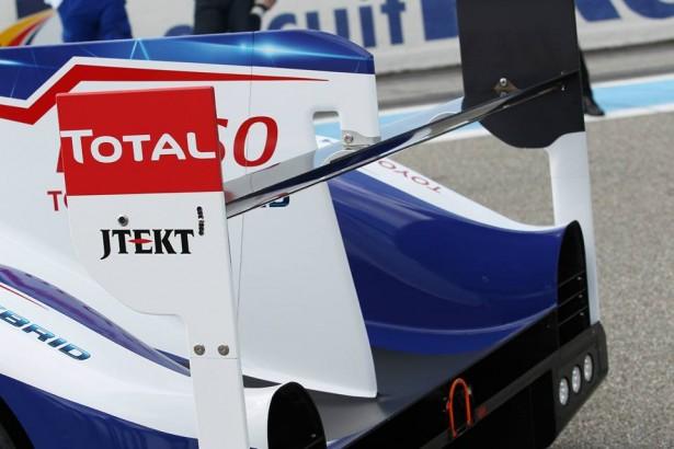 Toyota-TS040-LMP1-H-FIA-WEC-2014-24-H-du-Mans-4