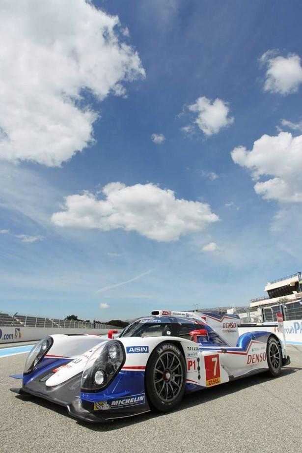 Toyota-TS040-LMP1-H-FIA-WEC-2014-24-H-du-Mans