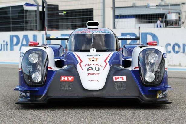 Toyota-TS040-LMP1-H-FIA-WEC-2014-24-H-du-Mans-8