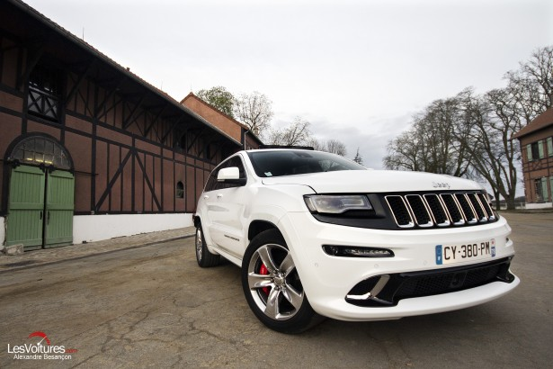 Essai-Jeep-Grand-Cherokee-SRT-12