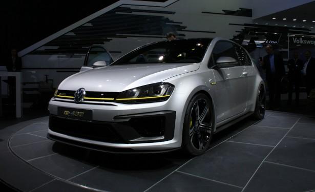 Volkswagen-Golf-R-Pékin-2014-3