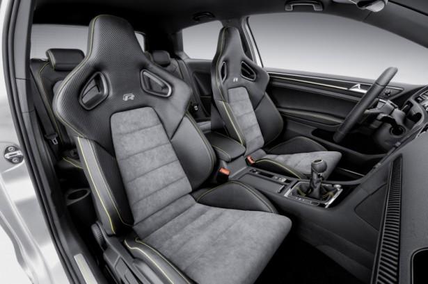 Volkswagen-Golf-R-Pékin-2014-7