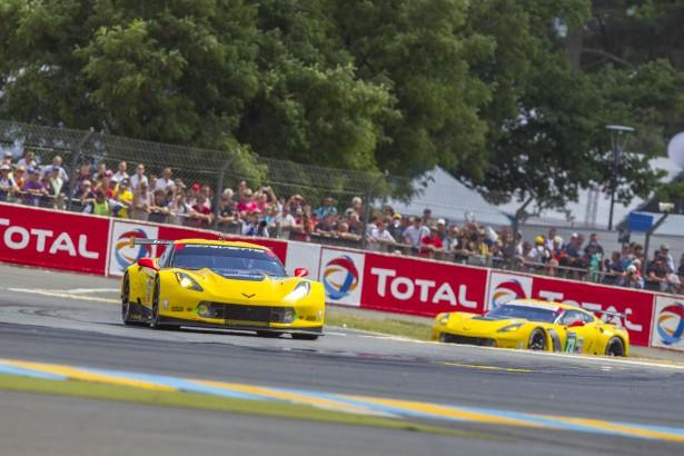 24-Heures-du-Mans-2014-Corvette-c7r-73-74