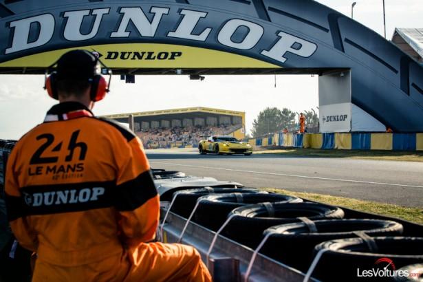 Photos-24-Heures-du-Mans-2014-commissaire-Dunlop-Corvette