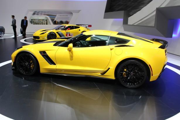 chevrolet-corvette-z06-2014-C7R-Geneva-2014