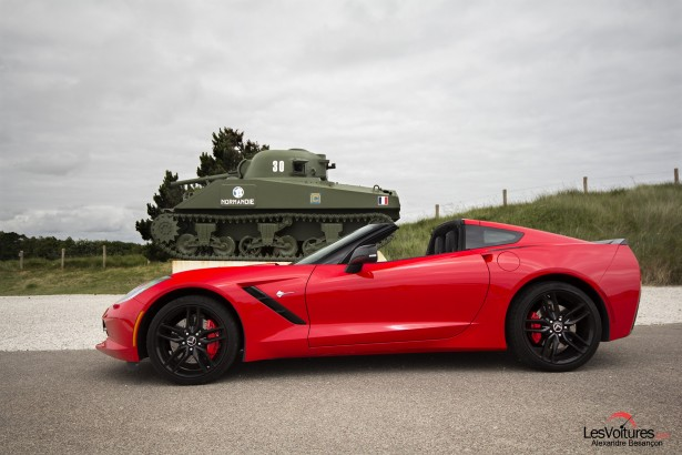 essai-test-drive-chevrolet-chevy-c7-stingray-normandy-2014-Spirit-of-1944-char-Sherman