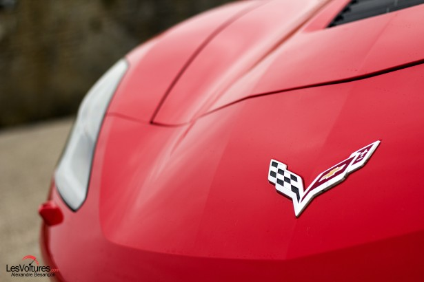 essai-test-drive-chevrolet-chevy-c7-stingray-normandy-2014-Spirit-of-1944-logo-front