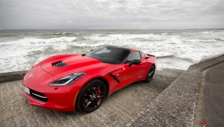 essai-test-drive-chevrolet-chevy-c7-stingray-normandy-2014-Spirit-of-1944-omaha-beach-normandy-couv