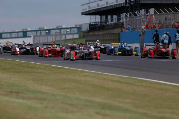 FIA-Formua-E-Test-Donindton-2014-Renault