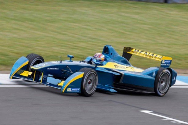 FIA-Formua-E-Test-Donindton-2014-Sebastien-Buemi-e-dams-Renault