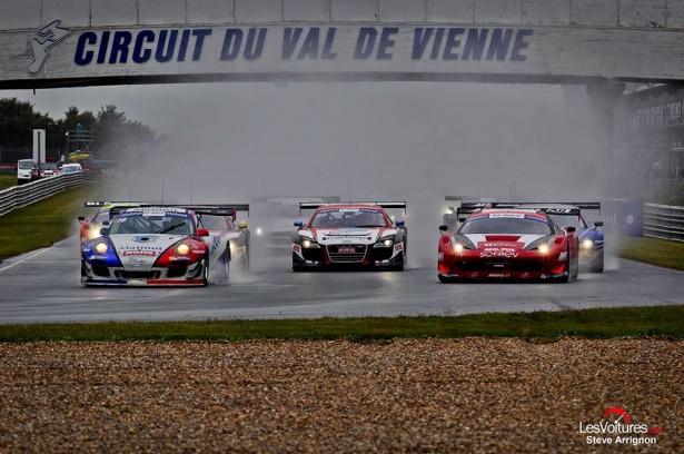 GT-Tour-Le-Vigeant-Val-de-Vienne-2014-Porsche-C2-départ